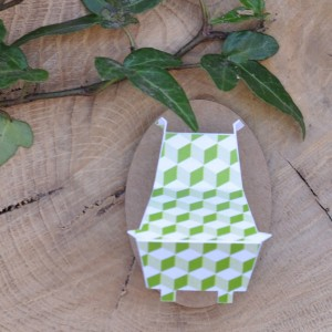 Mini trophée papier // tête d'hippopotame // vert pastel // motif cube // support ovale
