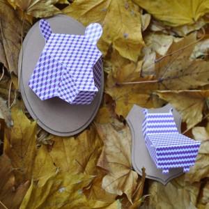 Trophée papier // tête d'ours // violet pastel // motif cube // support ovale