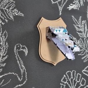 Trophée papier // tête de crocodile // motif triangle par Green and Paper